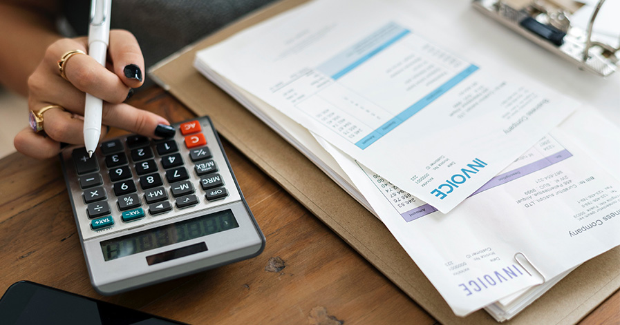 Calculator and invoices